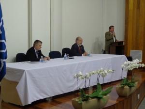 Matthias Neisser e os professores Ronaldo Salvagni e Paulo Kaminski